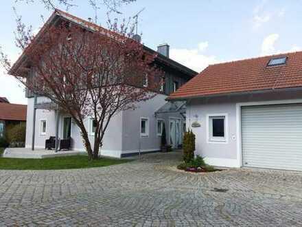 Großzügige, komfortable fünf Zimmer Wohnung in Cham (Kreis), Neukirchen bei Heiligen Blut