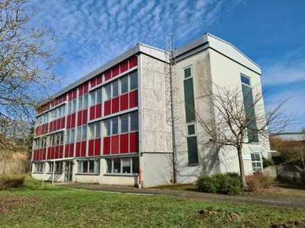 Schönes Bürozentrum/Praxisräume, ruhig gelegen, mit Reinräumen