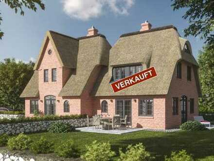 Schöne Neubau-Haushälften unter Reet in Wenningstedt -1 Einheit bereits verkauft-
