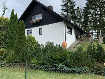 Schönes, freistehendes 5-Zimmer-Einfamilienhaus im Landhausstil