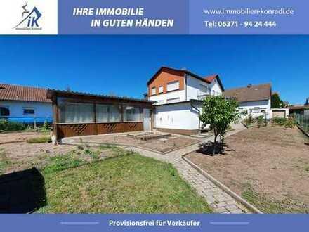 Zweifamilienhaus, 2 Garagen, Garten, Keller und Hof in KL/Rodenbach