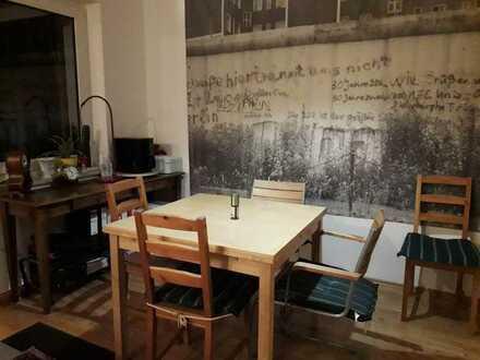 WG-Zimmer in charmanter Wohnung mit toller Lage