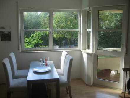 Bezugs- und provisionsfreie, WG-geeignete 2-Zi.- Wohnung in Uninähe