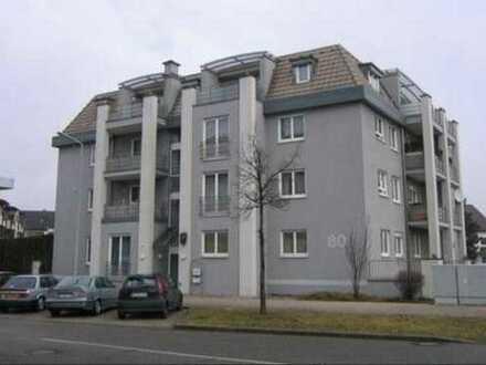 Exklusive, gepflegte 3-Zimmer-Wohnung mit Balkon und Einbauküche in Karlsruhe, Südlage, Garage