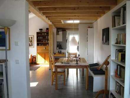 Neuwertige 3,5-Zimmer-DG-Wohnung mit Balkon und Einbauküche in Waldshut-Tiengen