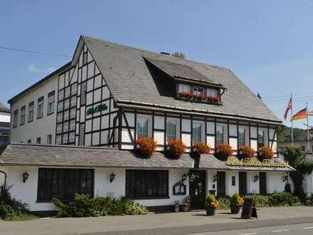 Kreuztal, großzügige Immobilie mit vielseitigen Nutzungsmöglichkeiten. / Hotel oder Betreutes Wohnen