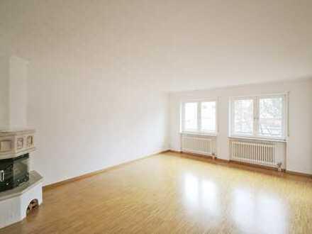 Attraktive, frisch renovierte 3-Zimmer-Wohnung mit Loggia und Tiefgaragenstellplatz