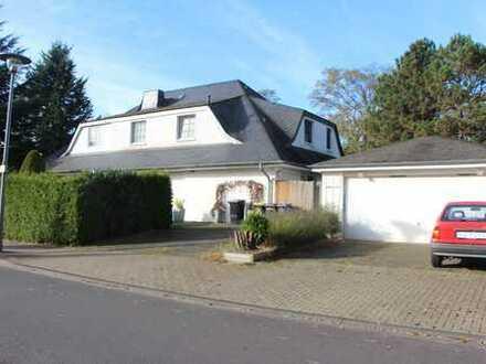 Schöne, geräumige Doppelhaushälfte in Köln-Hahnwald