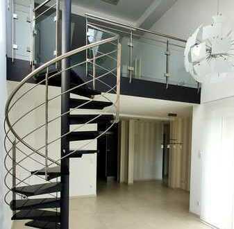 Neuwertige Maisonette-Wohnung mit drei Zimmern sowie Balkon und Einbauküche in Ludwigshafen