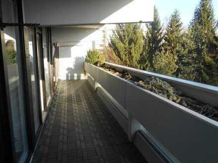 ++ FAMILIENWOHNUNG ++ 4 Zimmer ** 2 Balkone ** Einbauküche ** Fußbodenheizung -- TAUFKIRCHEN