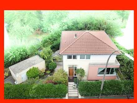 Haus in super Zustand mit Garage und Garten