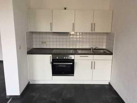 Altstadt / sanierte / großzügige 1 Zimmer Wohnung mit EBK zu vermieten