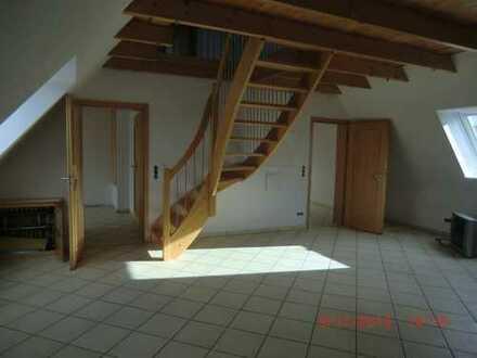 attraktive Dachgeschosswohnung auf zwei Ebenen 3. OG für 2 Pers. Haushalt