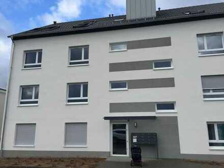 Erstbezug: komfortable 3-Zimmer-Wohnung mit Einbauküche und Balkon in Mainnähe
