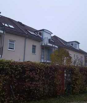 Stilvolle 2,5-Zimmer-Dachgeschosswohnung mit Balkon und EBK in Ingolstadt