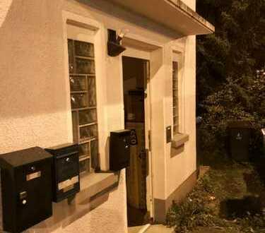 Sanierte 3-Zimmer-Dachgeschosswohnung mit Einbauküche in Siegen