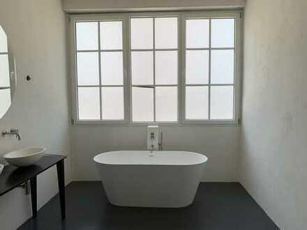 Erstbezug nach Sanierung: moderne schöne 4-5 Zimmer-Loft-Wohnung mit EBK in Nürnberg