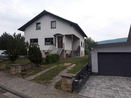 Freistehendes Einfamilienhaus inkl. Einliegerwohnung und PV Anlage