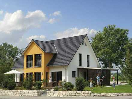 Hier tobt das Familienleben - großzügiges Einfamilienhaus mit Zwerchgiebel - KfW 55