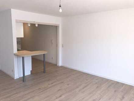 Erstbezug nach Sanierung mit Einbauküche und Balkon: freundliche 1-Zimmer-Wohnung in Albstadt