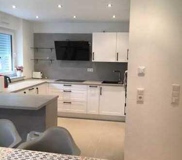 Möblierte, neuwertige 2-Zimmer-Wohnung mit Küche/Stellplatz/Keller/Möbel in Laatzen zu Verkaufen