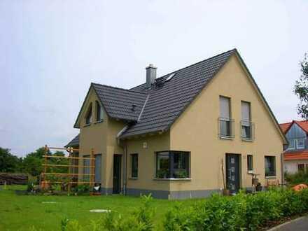 Neubau Kitzingen, 5 mögliche Schlafzimmer/Büro, 2 Bäder, Wohn-Ess-Kochbereich!