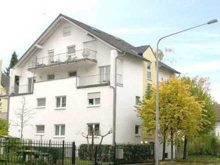 Helle 2-Zimmer-Wohnung mit tollem Ausblick (Balkon) in Sachsenhausen-Süd, Frankfurt am Main