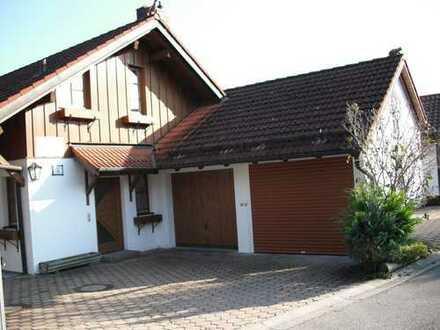 Hechendorf, 4 Zimmerwohnung / wie kleine DHH mit Wintergarten und seperater Souterrainwohnung