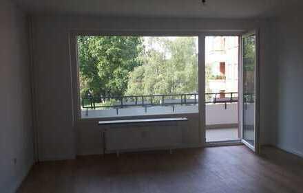 Sanierte 1. Zimmer Wohnung in HH-Stellingen - Bezirk Eimsbüttel direkt am Park