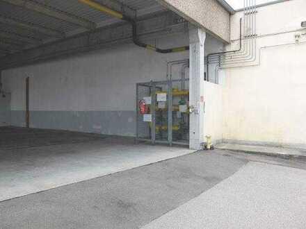 10_VH3539 Gewerbeanwesen mit mehreren Hallen, Bürotrakt und großer Freifläche / Schwandorf