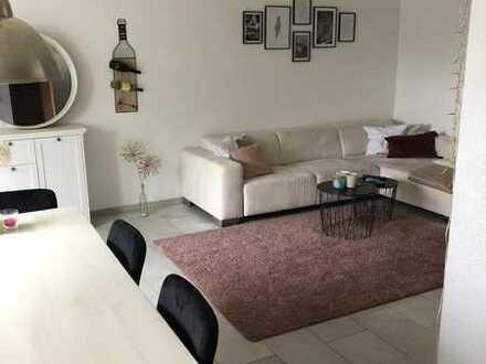 schöne 2,5-Zimmer-Wohnung mit EBK in guter Lage
