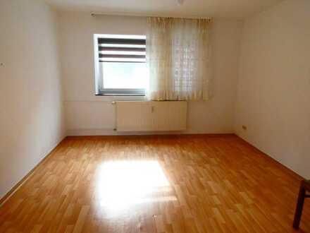 Drei-Zimmer-Wohnung mit Einbauküche!
