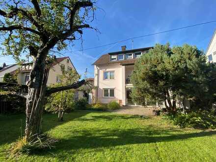 Erstbezug nach Sanierung: stilvolle 3-Zimmer-EG-Wohnung mit Einbauküche und Balkon in Stuttgart