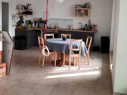 Moderne Etagenwohnung mit Loggia
