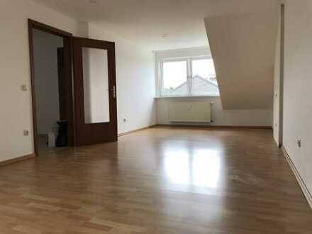 Helle 2,5-Zimmer-DG-Wohnung in Dinslaken-Hiesfeld