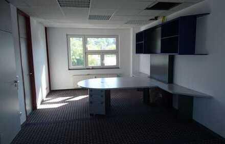 Ein Platz an der Sonne zum Arbeiten: Sonnige Büroräume in Remshalden-Geradstetten