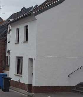 Schönes, geräumiges Haus mit vier Zimmern in Rhein-Erft-Kreis, Kerpen