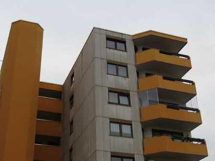 (973) Drei-Zimmerwohnung mit Balkon und Kfz-Stellplatz
