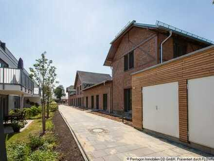 modern Wohnen im historischen Ambiente - 4-Raumwohnung an der Rennbahn mit großer Terrasse