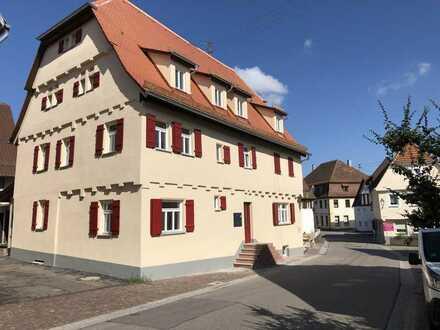NACHMIETER GESUCHT: Einzigartige Dachgeschoss-Maisonette-Wohnung im Herzen von Merklingen
