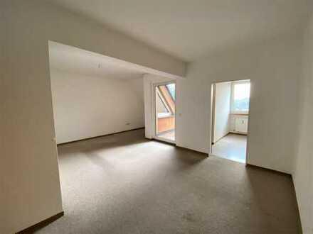 Nur mit Senioren WBS! Gemütliche Wohnung mit Balkon und Einbauküche!