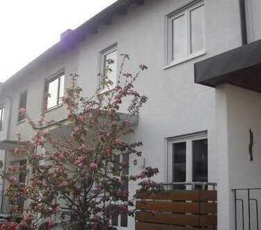 Gepflegtes 6-Zimmer-Reihenhaus mit EBK in Laudenbach, Rhein-Neckar-Kreis