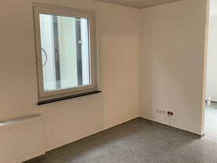 Erstbezug nach Sanierung mit Balkon: attraktive 2-Zimmer-Wohnung in Birkenfeld