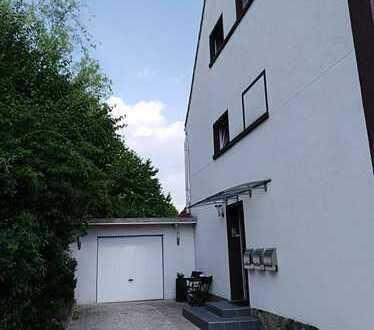 Modernes Landliebe-3-Familienhaus in Best-Form!!