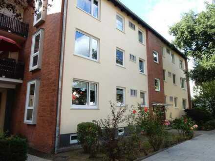 Großzügige Drei-Zimmer-Eigentumswohnung mit Garage in Bremen-Schwachhausen, Nähe Emmastraße