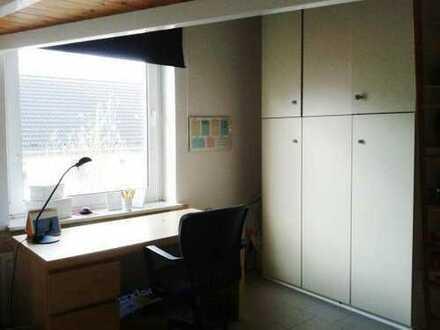 Teilmöbliertes 12qm großes Zimmer in freundlicher 2er-WG