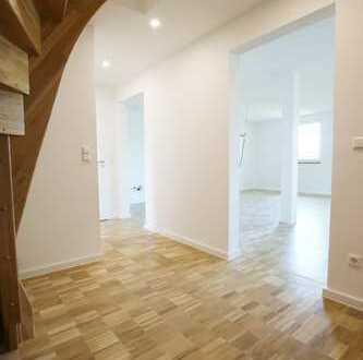 Tolle Maisonette Wohnung inkl. EBK und ruhiger Dachterrasse!!