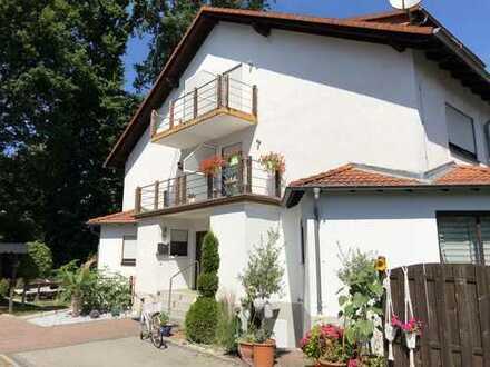 385.000 €, 132 m², 5 Zimmer, Doppelhaushälfte mit Waldblick
