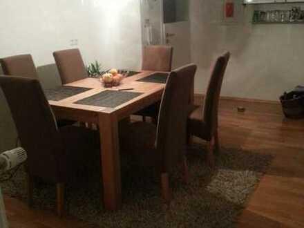 700 €, 100 m², 3,5 Zimmer