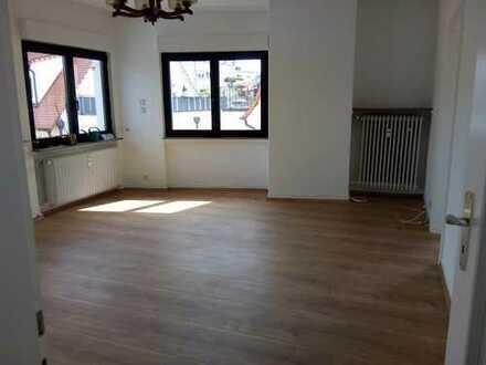 Bad Homburg Innenstadt - helle, ruhige 3-Zimmer-Wohnung mit Fernblick nahe Fußgängerzone